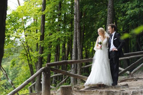 Warm, personalized wedding ceremonies.